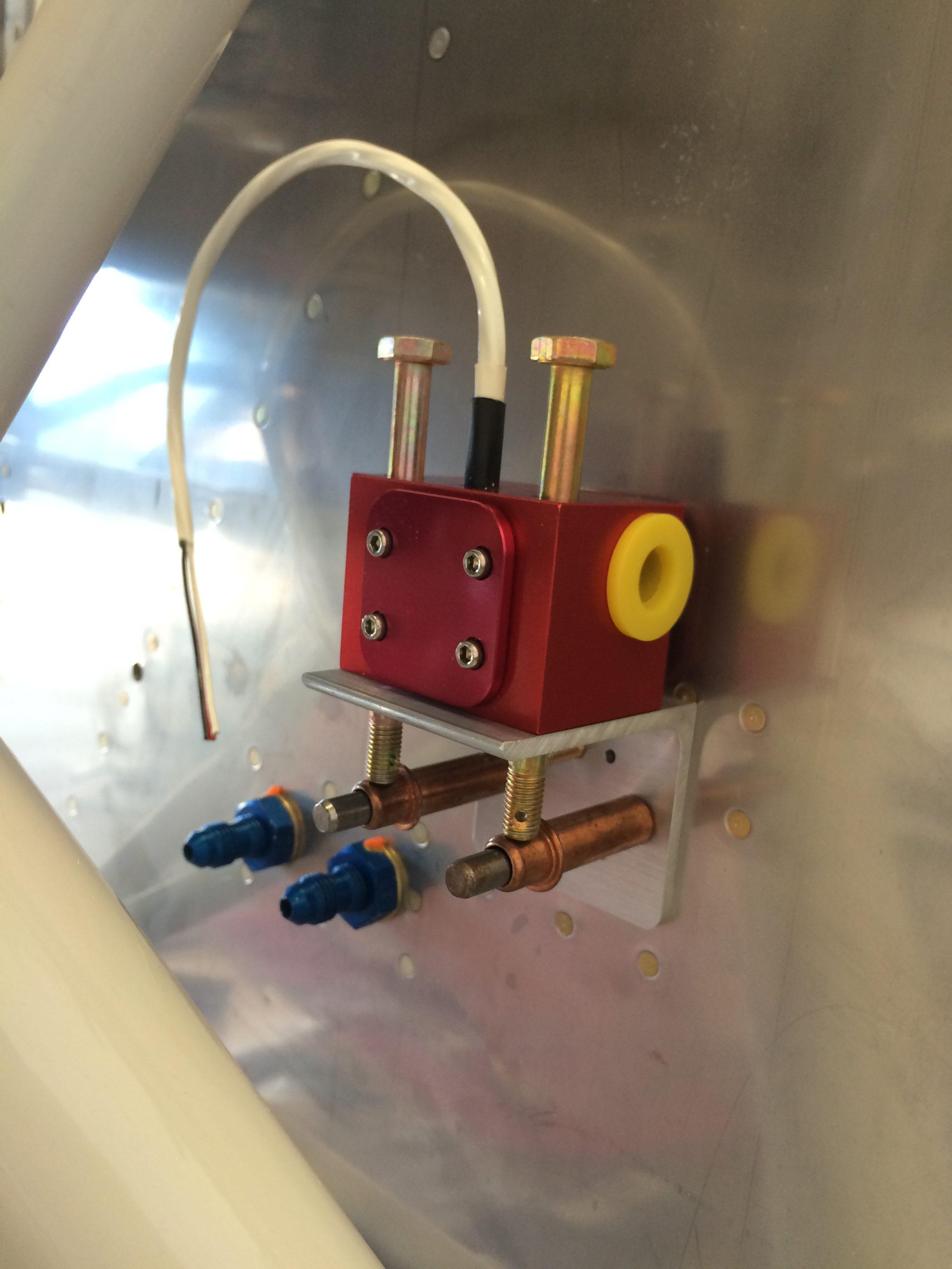 The fuel flow sender bracket